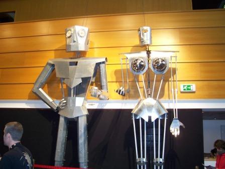 Les robots - Page 8 Robots10