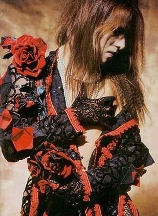 Photos de Yoshiki - Page 6 N1161612