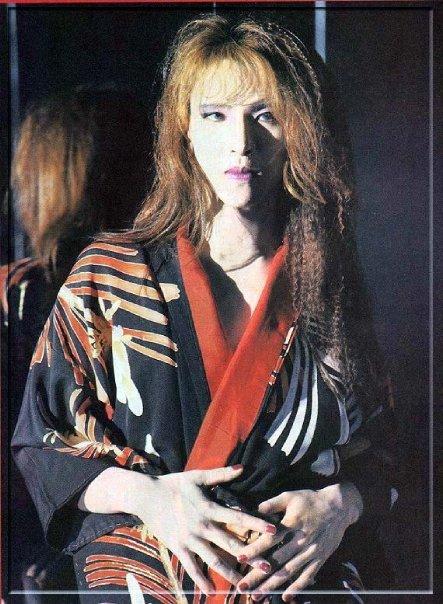 Photos de Yoshiki - Page 6 N1161613