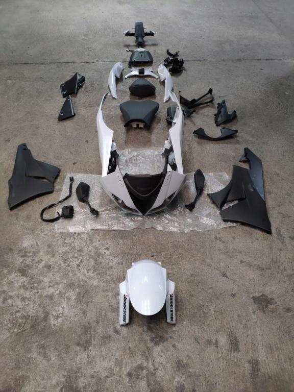 [VENDU] Carénage complet origine Kawasaki ZX6R 2010 Img_2012