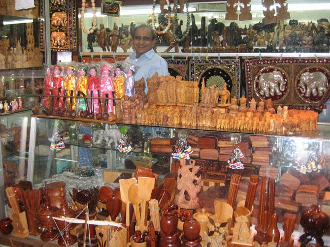 Bogyoke Aung San Market ( Yangon ) 95mark10