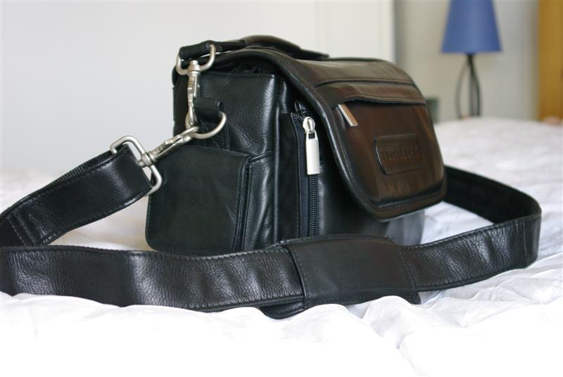 Vends fourre tout, cuir véritable, Hasselblad Imgp1511