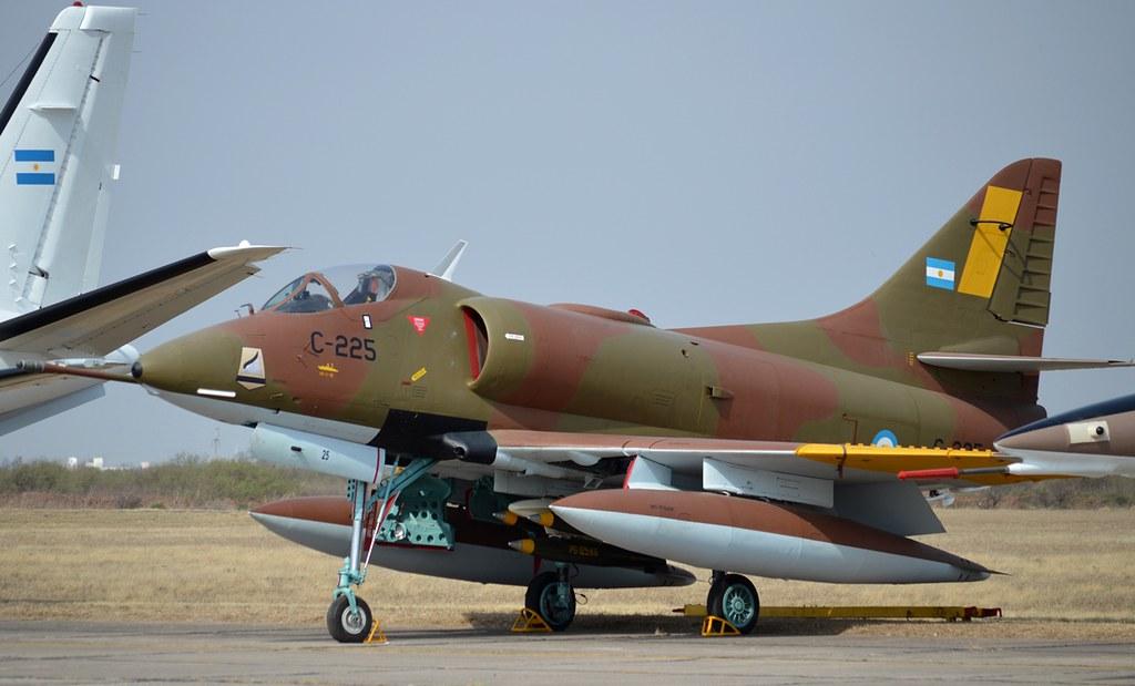 From the box - Harrier GR3 aux Malouines - Airfix - 1/72 *** Terminé en pg 2 35906010