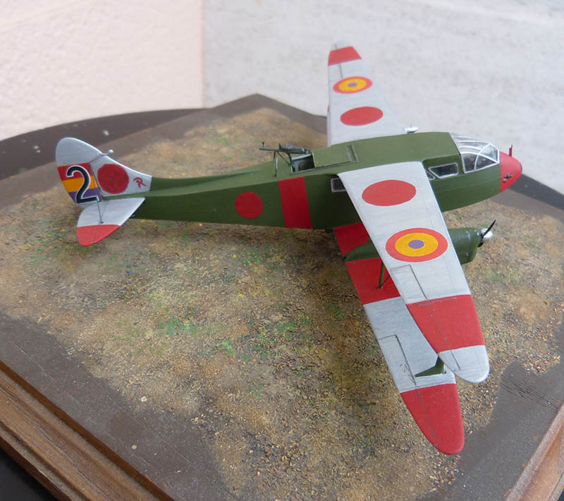 """Dragon Rapide DH 89 M Républicain Espagnol """" - Escadrille """"Alas Rojas"""" 1936. Dh89_824"""