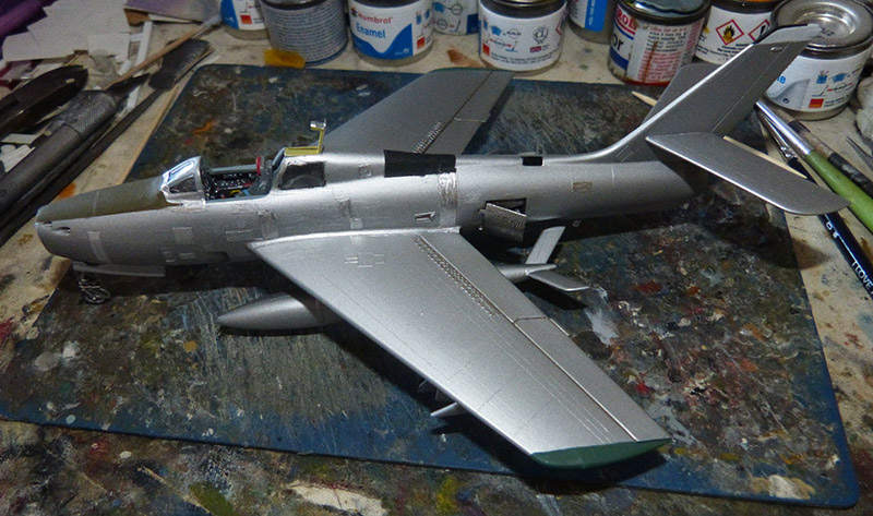 (MPC - Airfix) Republic F-84 F Thunderstreak- EC 2/4 La Fayette. - Page 2 F84_8010