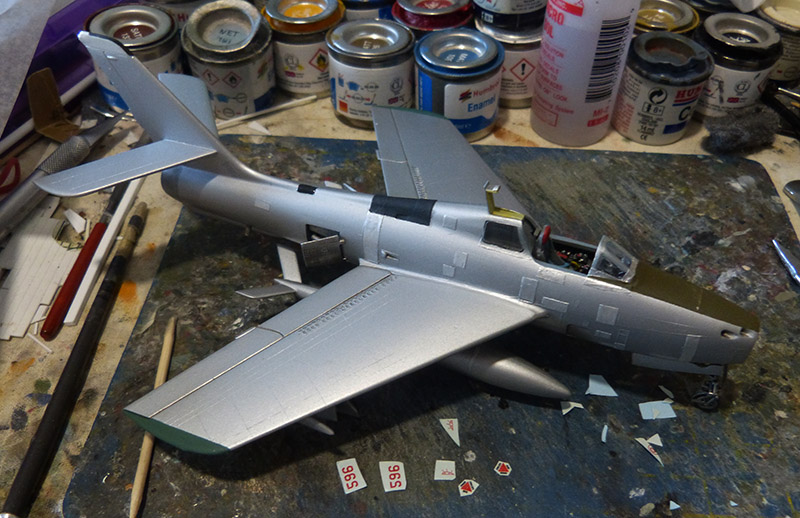 (MPC - Airfix) Republic F-84 F Thunderstreak- EC 2/4 La Fayette. - Page 2 F84_8110
