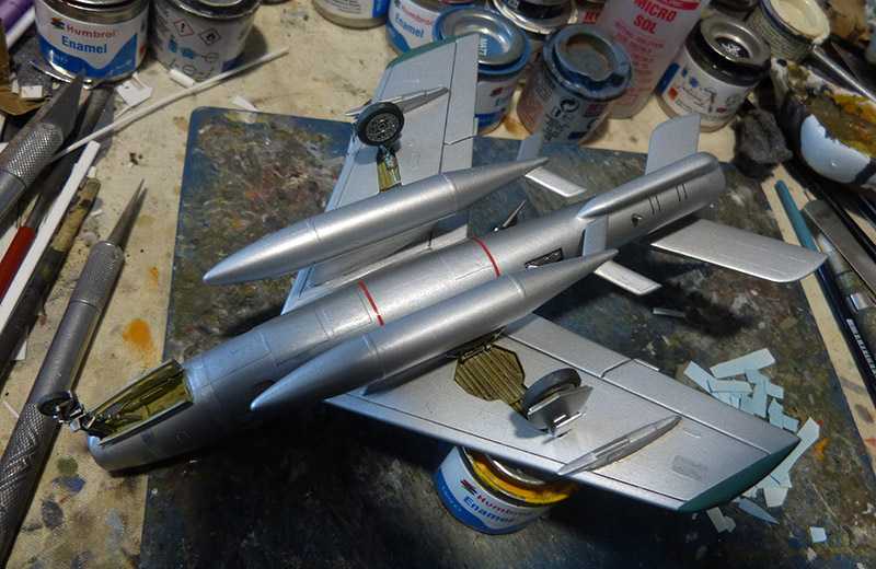 (MPC - Airfix) Republic F-84 F Thunderstreak- EC 2/4 La Fayette. - Page 2 F84_8210