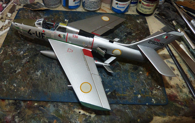 (MPC - Airfix) Republic F-84 F Thunderstreak- EC 2/4 La Fayette. - Page 2 F84_8510