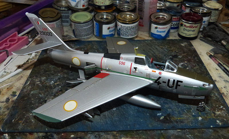 (MPC - Airfix) Republic F-84 F Thunderstreak- EC 2/4 La Fayette. - Page 2 F84_8710