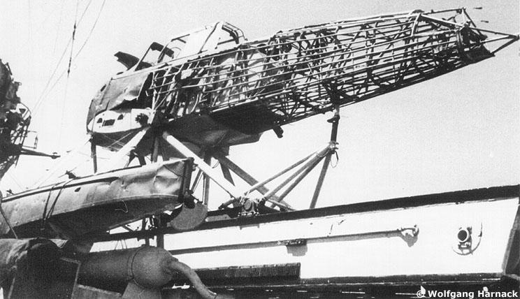 "Fil rouge 2020 : (Heller) Croiseur lourd ""Graf Spee"" - 1/400. Gallgr12"
