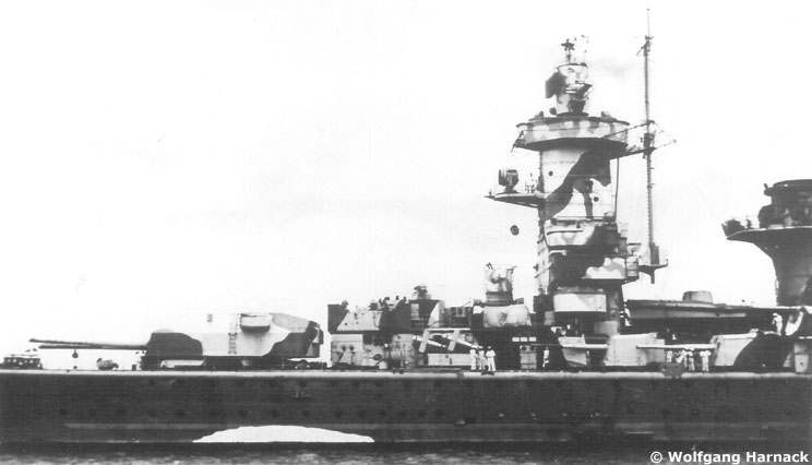 "Fil rouge 2020 : (Heller) Croiseur lourd ""Graf Spee"" - 1/400. Gallgr13"