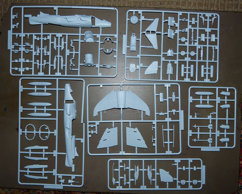 From the box - Harrier GR3 aux Malouines - Airfix - 1/72 *** Terminé en pg 2 Harrie11