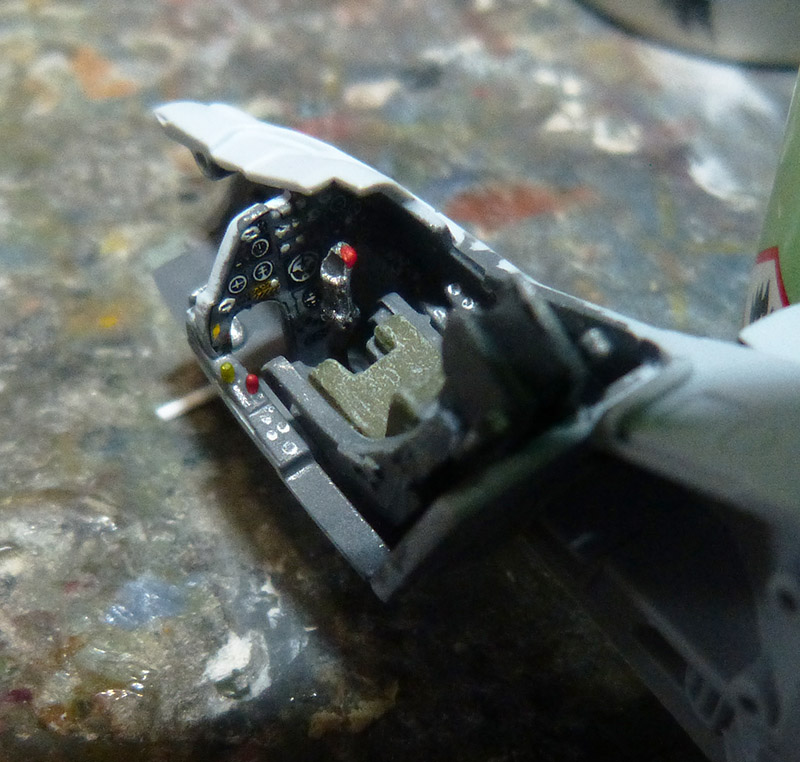 From the box - Harrier GR3 aux Malouines - Airfix - 1/72 *** Terminé en pg 2 Harrie20