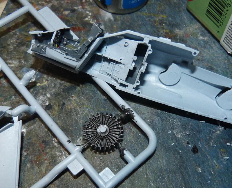 From the box - Harrier GR3 aux Malouines - Airfix - 1/72 *** Terminé en pg 2 Harrie21