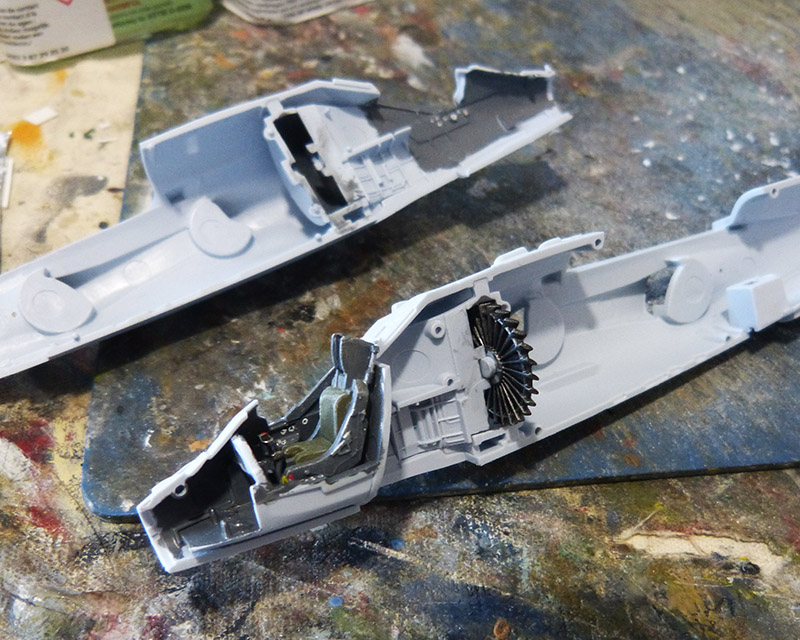 From the box - Harrier GR3 aux Malouines - Airfix - 1/72. Harrie22