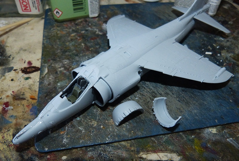 From the box - Harrier GR3 aux Malouines - Airfix - 1/72. Harrie31