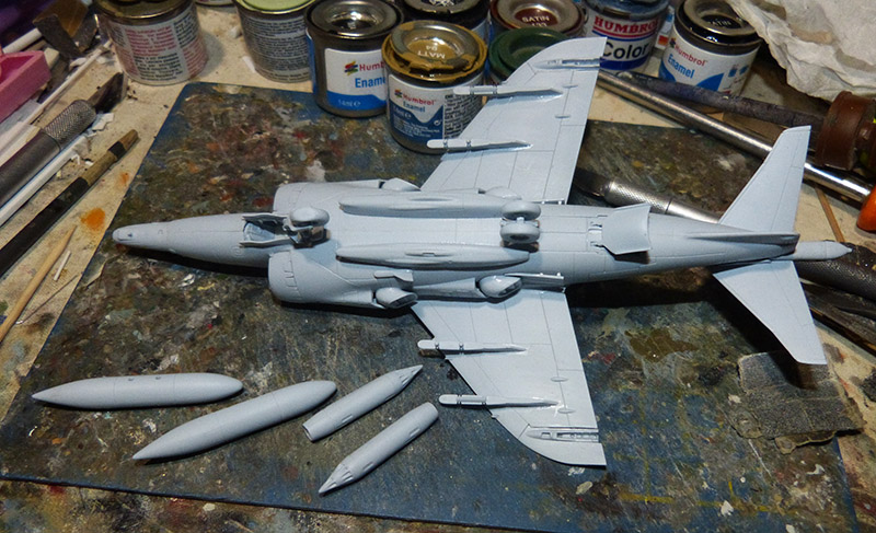 From the box - Harrier GR3 aux Malouines - Airfix - 1/72. Harrie37