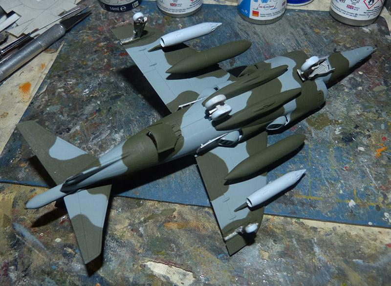 From the box - Harrier GR3 aux Malouines - Airfix - 1/72 *** Terminé en pg 2 Harrie44
