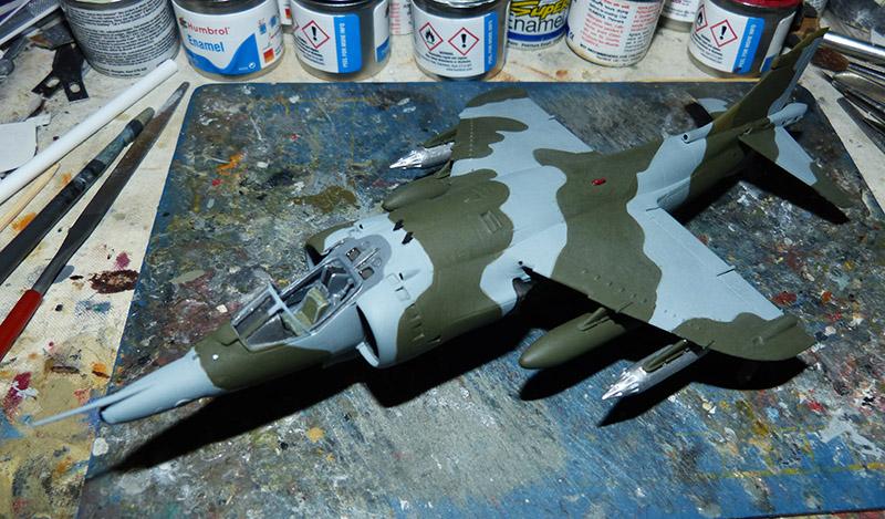 From the box - Harrier GR3 aux Malouines - Airfix - 1/72 *** Terminé en pg 2 Harrie45