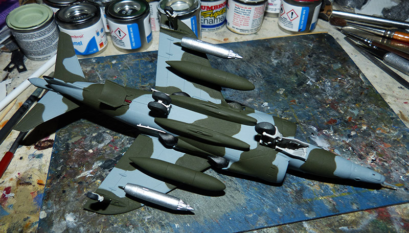 From the box - Harrier GR3 aux Malouines - Airfix - 1/72 *** Terminé en pg 2 Harrie46