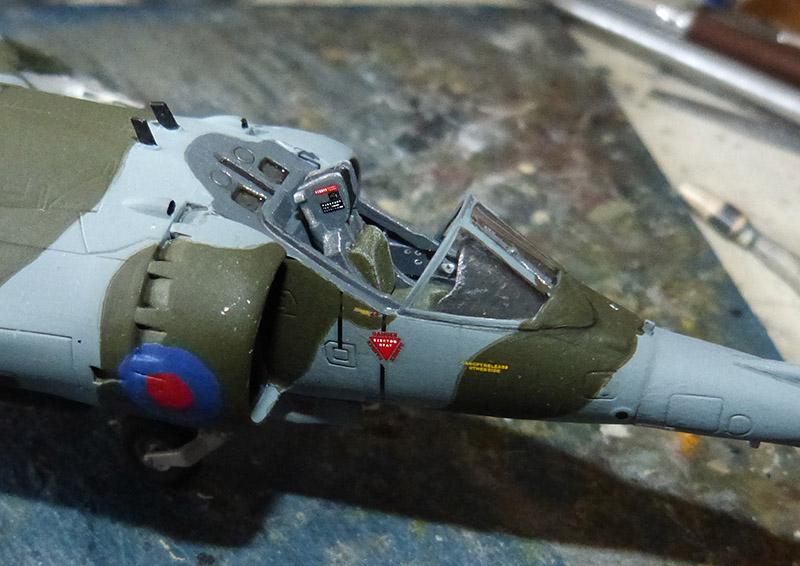From the box - Harrier GR3 aux Malouines - Airfix - 1/72 *** Terminé en pg 2 Harrie52