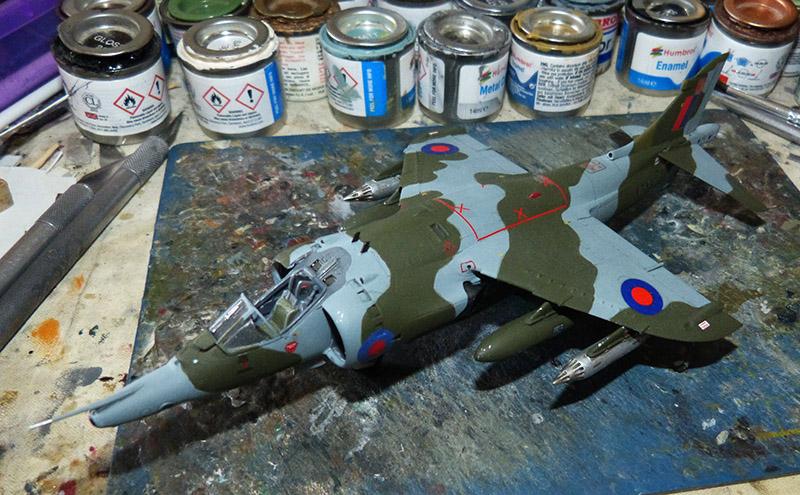 From the box - Harrier GR3 aux Malouines - Airfix - 1/72 *** Terminé en pg 2 Harrie53