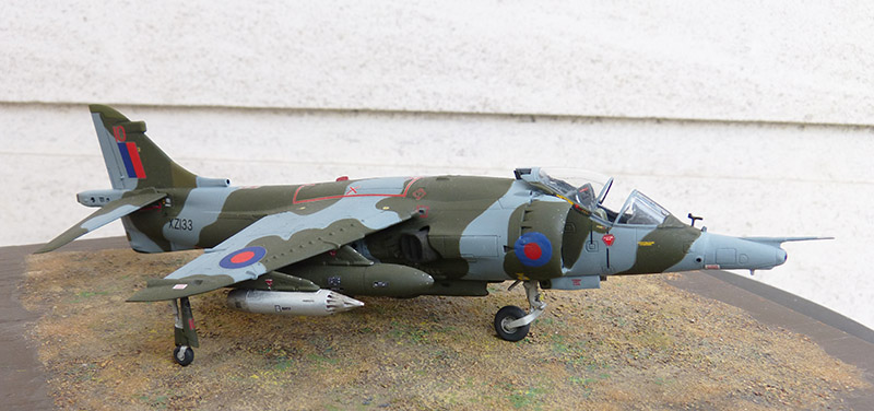 From the box - Harrier GR3 aux Malouines - Airfix - 1/72 *** Terminé en pg 2 - Page 2 Harrie63