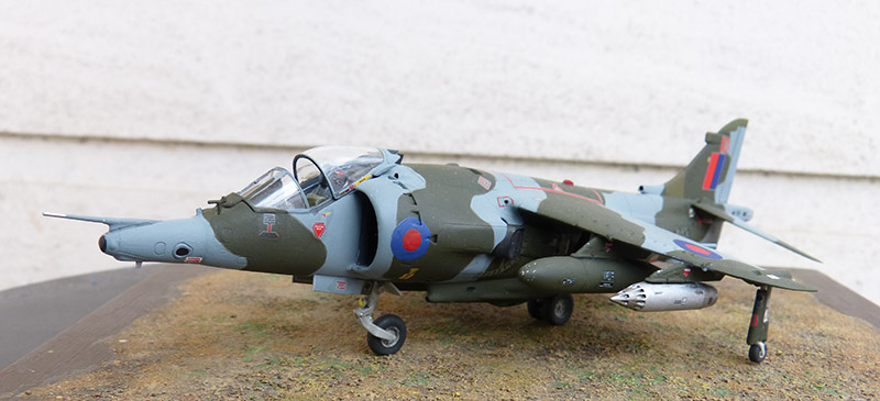 From the box - Harrier GR3 aux Malouines - Airfix - 1/72 *** Terminé en pg 2 - Page 2 Harrie64