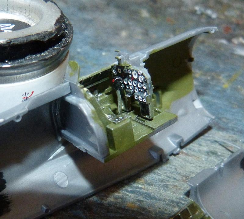 Montage chrono [REVELL] REPUBLIC P 47D-30 THUNDERBOLT du NeuNeu 1/72ème  Réf 04155 P47_2810