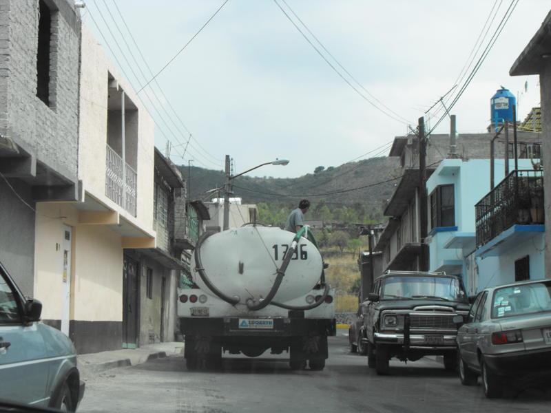 Icela Martinez: Accesibilidad al agua en la ciudad de México 5_smt_10