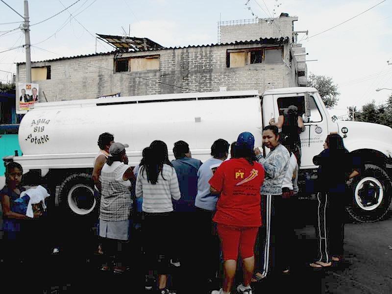 Icela Martinez: Accesibilidad al agua en la ciudad de México 8_smt_10