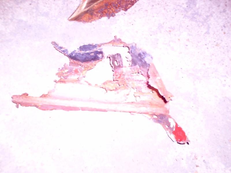 rouille trous rebouchage soudure....sauvetage du delvan Travau16