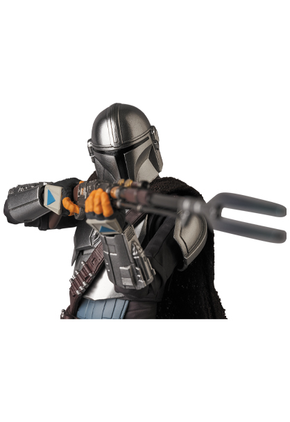 The Mandalorian Beskar Armor & The Child Figure - Medicom 0146_210