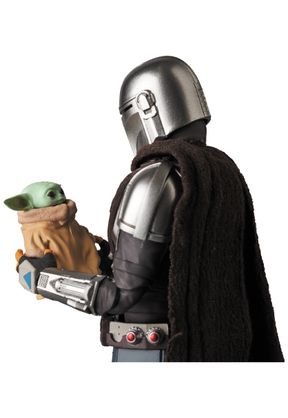 The Mandalorian Beskar Armor & The Child Figure - Medicom 0154_210