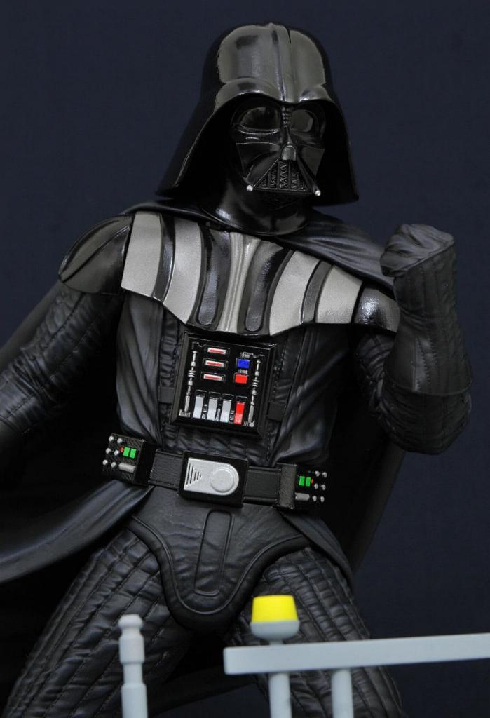 Gentle Giant Darth Vader Star Wars Milestone Statue 1:6  0422