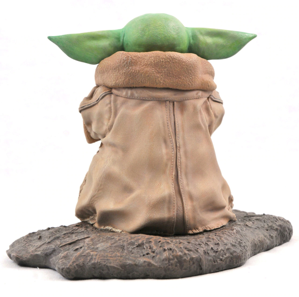 The Child with Soup Milestone Statue - The Mandalorian 0439