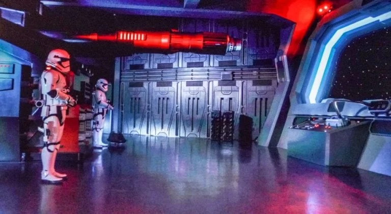 Star Wars Rise of the Resistance - Star Wars: Galaxy's Edge 0511