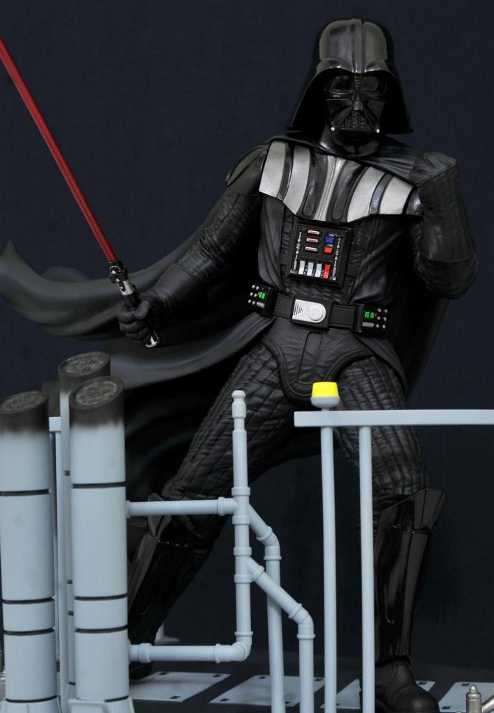 Gentle Giant Darth Vader Star Wars Milestone Statue 1:6  0521