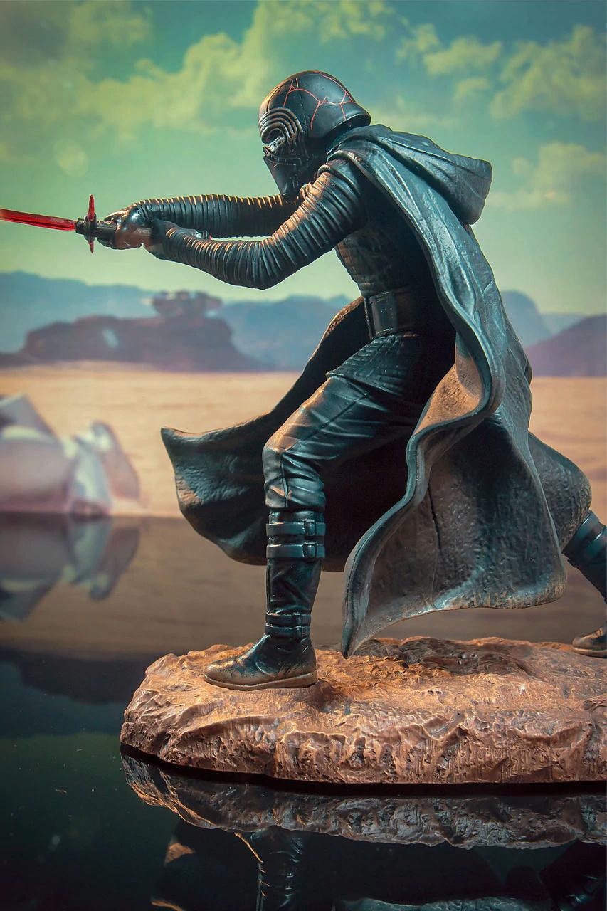 Kylo Ren Rise of Skywalker Premier Collection 1:7 Statue DST 05_det10