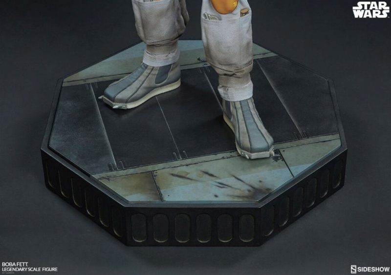 Sideshow Collectible - Boba Fett Legendary Scale Figure  Boba_l35