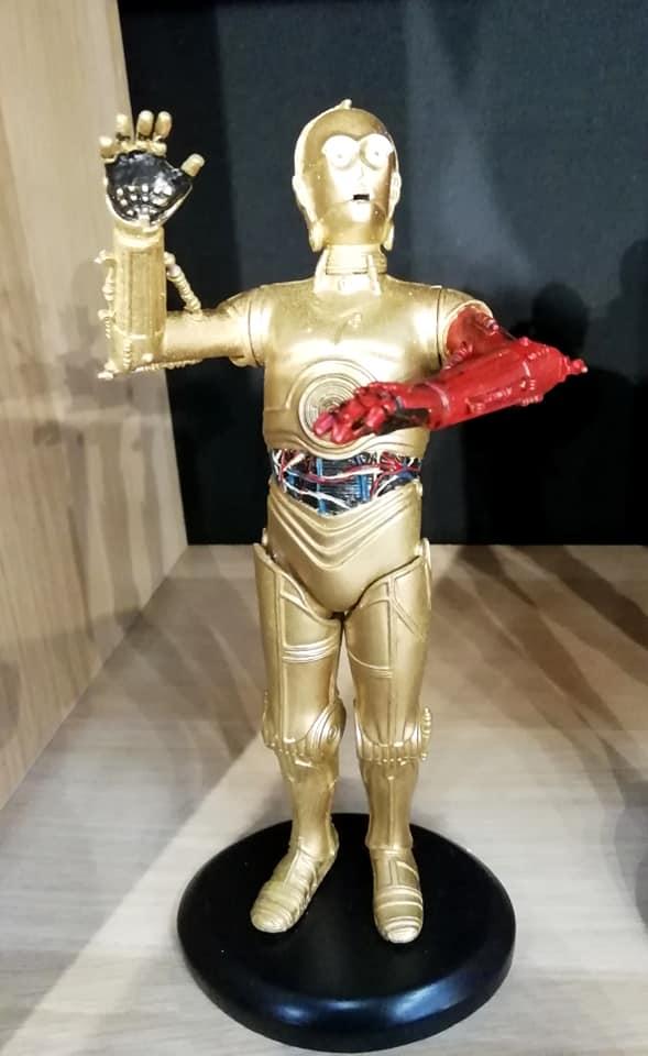 ATTAKUS - Star Wars Elite Collection 1/10 C-3PO Bras Rouge C3po_b10