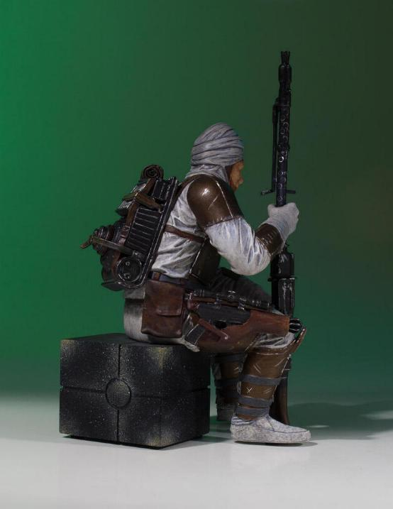 Gentle Giant - Dengar Collector's Gallery statue Dengar16