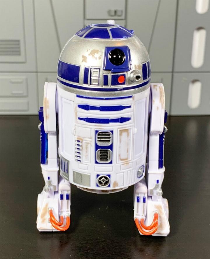 Les produits dérivés Star Wars Galaxy's Edge  Droid_16