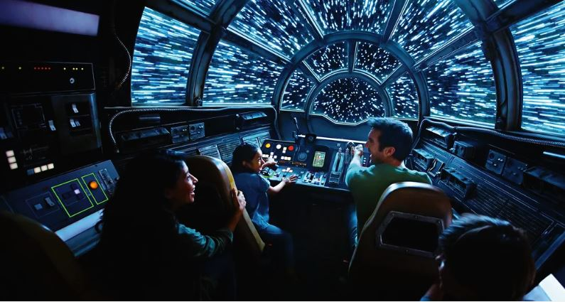Millennium Falcon: Smuggler's Run - Star Wars: Galaxy's Edge Ewfalc13