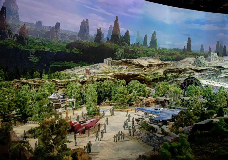 Star Wars Rise of the Resistance - Star Wars: Galaxy's Edge Ewresi10