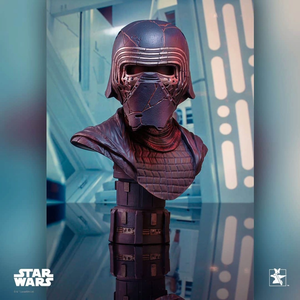 Kylo Ren Half-Scale Bust Diamond Select Toys/Gentle Giant  Fb_im107