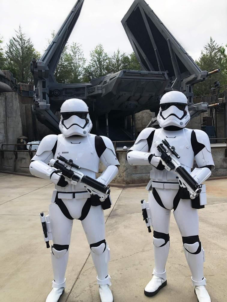 Les news Disney Star Wars: Galaxy's Edge aux Etats Unis (US) - Page 7 Fb_img37