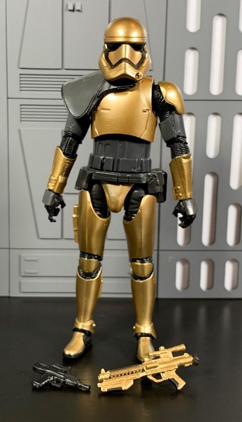 Les produits dérivés Star Wars Galaxy's Edge  First_14