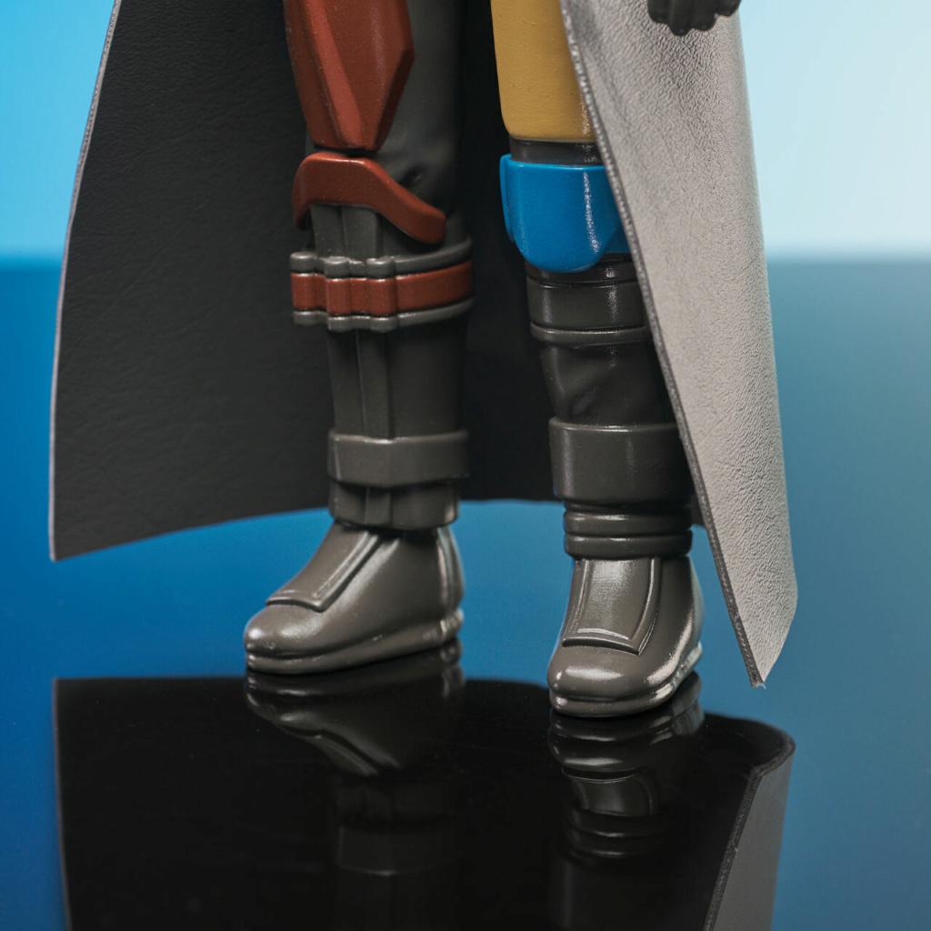 The Mandalorian Jumbo Action Figure - Gentle Giant Jumbo_16