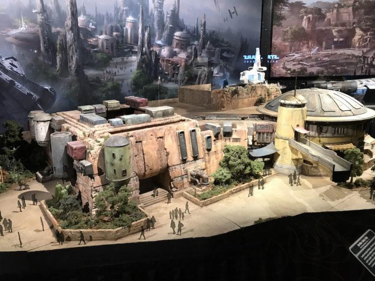 Les news Disney Star Wars: Galaxy's Edge aux Etats Unis (US) - Page 5 Lau0210